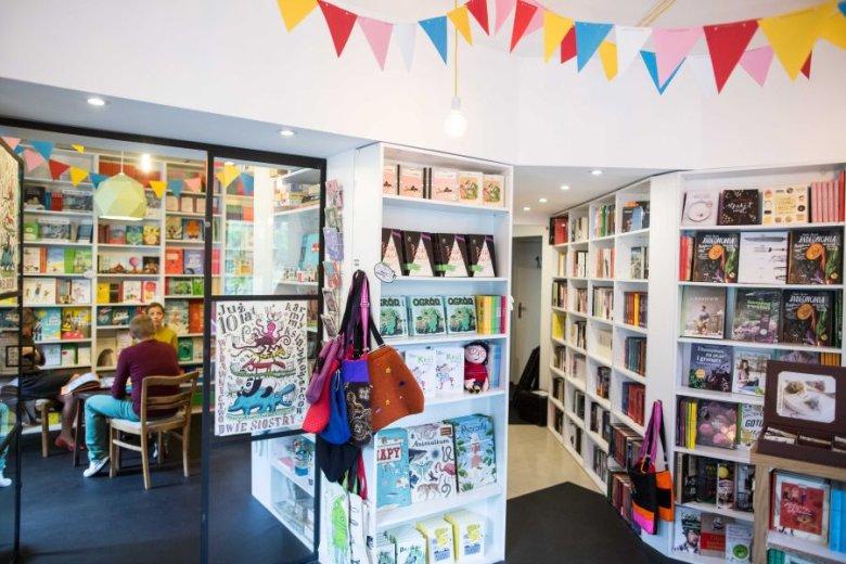 Wnętrze księgarni będącej siedzibą wydawnictwa.