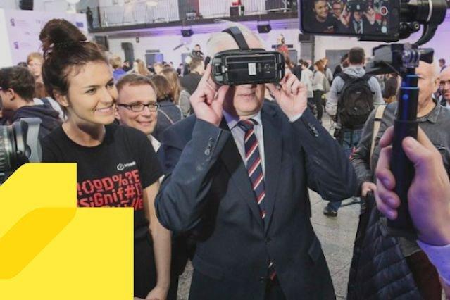 Jarosław  Gowin jest fanem gier. A na pewno ich wpływu na polską gospodarkę.