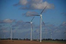 Od kilku dekad średnia prędkość wiatru na Ziemi zwalniała, w ostatnich latach niespodziewanie trend ten się odwrócił. Naukowcy oceniają, że efektywność turbin wiatrowych wzrosła dzięki temu o ok. 17 proc.