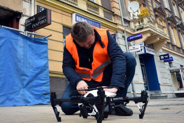 Drony stały się dzisiaj technologią tak tanią, że powszechnie zagościły na polskich niebach