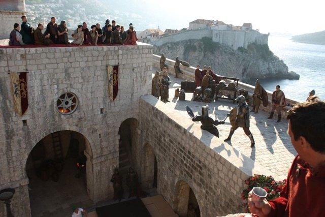 """Wiele zdjęć do """"Gry o tron"""" kręcono w Chorwacji, teraz turyści walą tam drzwiami i oknami"""
