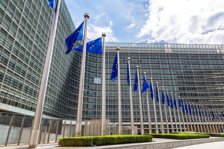 Komisja Europejska nałożyła grzywnę na pięć banków. Będą musiały zapłacić ponad miliard euro kary.