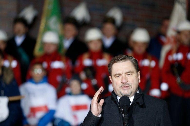 """Polska walczy z nie-etatowymi formami zatrudnienia. """"To walka z przyszłością"""" - twierdzą eksperci, przypisując etaty czasom rewolucji przemysłowej i dominacji związków zawodowych."""