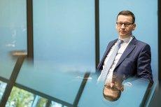 Minister Morawiecki powtarza swoję sztuczkę sprzed roku. Zwróci szybciej nadpłaty VAT, by mieć lepsze wzrosty na początku roku