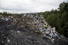 Kilka tysięcy ton nielegalnych śmieci wyrzucono na terenie gminy Czerniejewo
