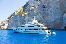 Robert B., założyciel Horcus Investment Group, dzięki pieniądzom inwestorów imprezował m,in. na luksusowym jachcie w Grecji