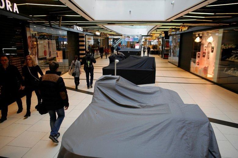 Wraz z pojawieniem się zakazu handlu w niedzielę, Polacy zaczęli zmieniać swoje zakupowe przyzwyczajenia.