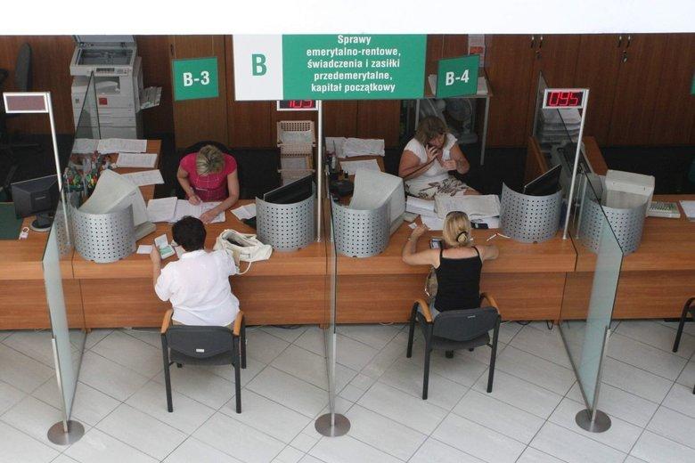 Tysiące przyszłych emerytów może stracić kilkaset złotych ze swoich świadczeń