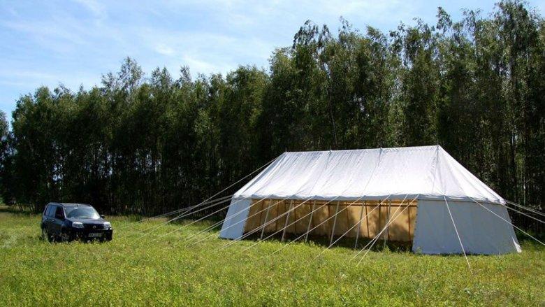 Namioty są szyte ręcznie, dzięki czemu oddają daną epokę