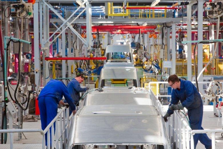 """Automatyzacja i robotyzacja może sprawić, że roboty """"przejmą"""" 800 mln miejsc pracy na świecie."""