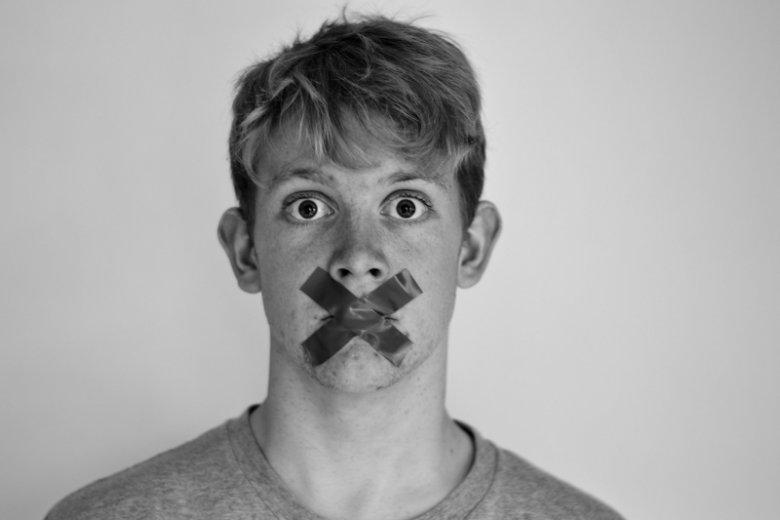 Kłamanie nie jest powodem do dumny, jednak w kontaktach z szefem nie zawsze opłaca się być prawdomównym.
