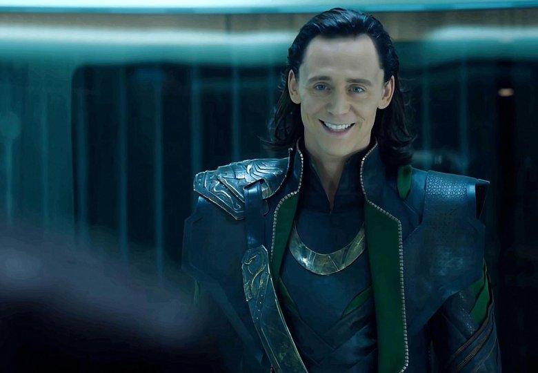 Tom Hiddleston jako Loki.