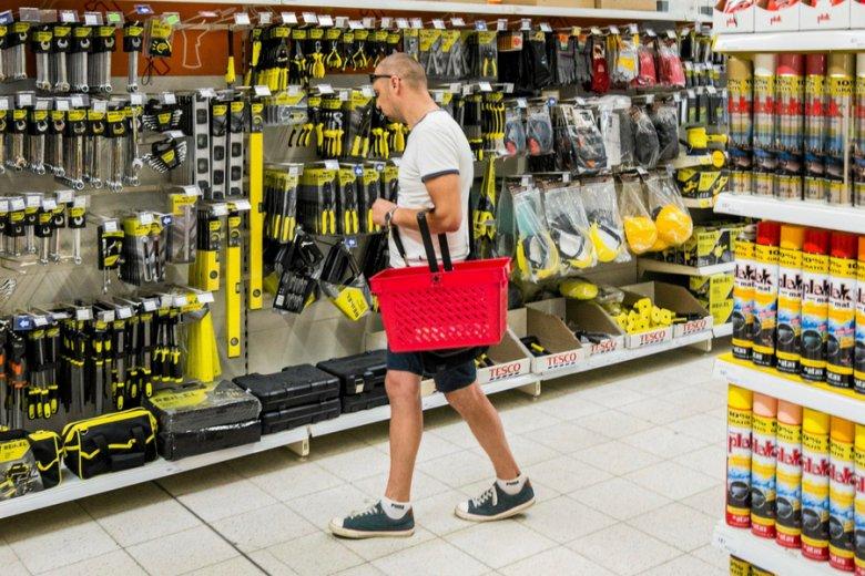 Tesco zamknęło od początku roku ponad 20 sklepów. Branża spekuluje, że sieć poszukuje chętnego na odkup biznesu w Europie Środkowej.