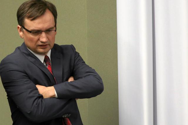 W resorcie ministra Ziobry powstał projekt ustawy obniżającej rentowność legalnych firm pożyczkowych