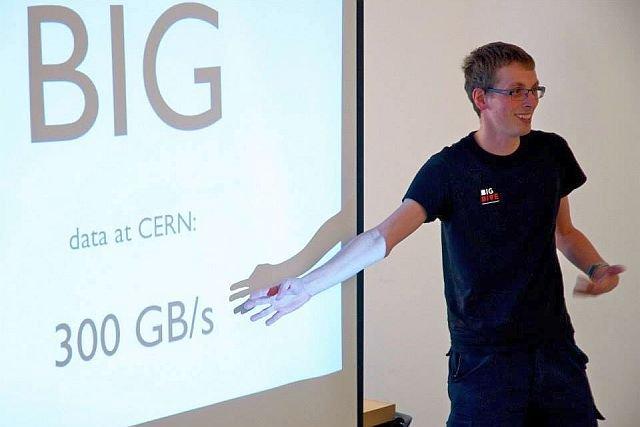 - Nie znam firmy, która nie miałaby problemu ze znalezieniem dobrego specjalisty z data science - Piotr Migdał