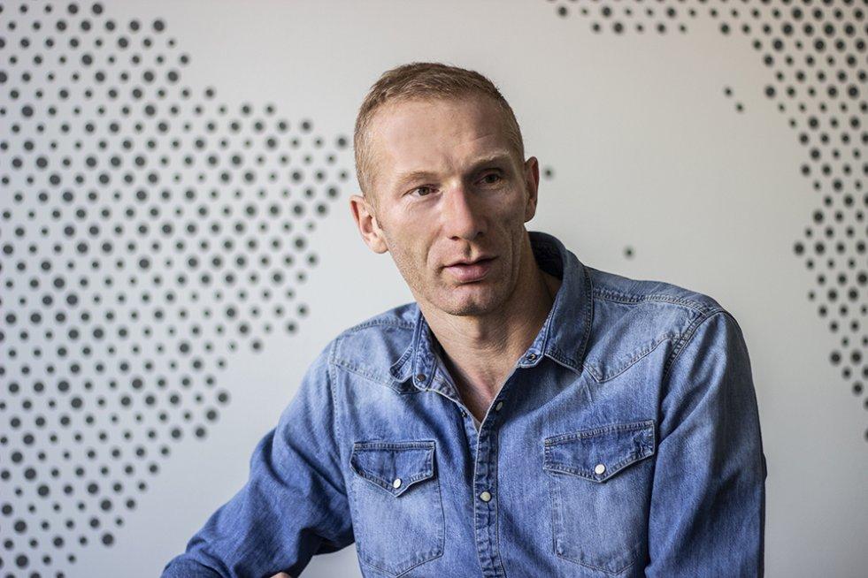 Karol Bielecki, emerytowana legenda polskiej piłki ręcznej, dziś spełnia się w zupełnie nowej roli - jako mówca motywacyjny.