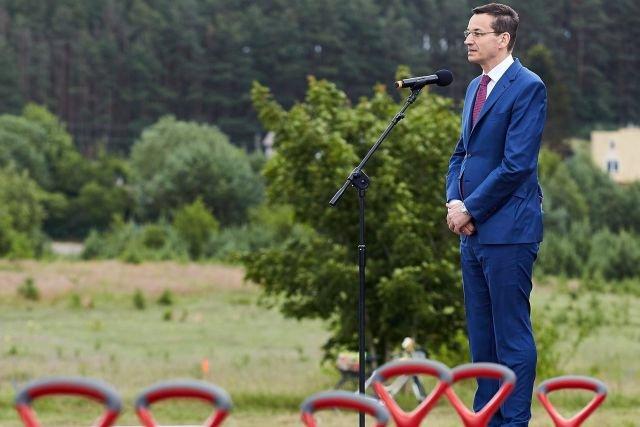 Minister Morawiecki zamierza przycisnąć śrubę podatnikom. Tylko przez zmiany w ustawie chce dobrać się do dodatkowych 27,5 mld zł.