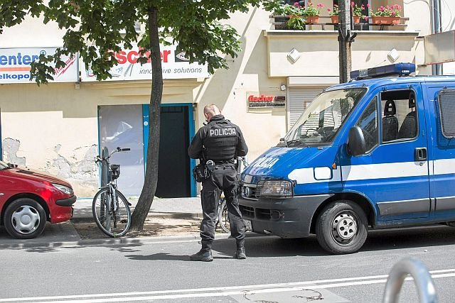 Policja i władze miejskie zrobiły wiele, by wyeliminować sklepy z dopalaczami z ulic. W efekcie handel przeniósł się do internetu
