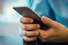 Apple Pay w Polsce. Jakie banki umożliwiają płatności dotykowe iPhone'ami?