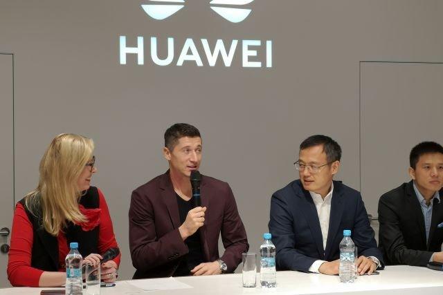 W konferencji zapowiadającej otwarcie sklepu Huawei wziął udział Robert Lewandowski