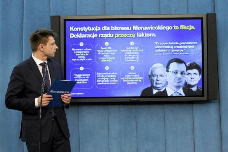 """Ryszard Petru zorganizował nawet specjalną konferencję prasową, żeby skrytykować """"Konstytucję dla biznesu""""."""