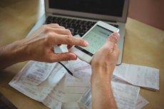 Aplikacje do zarządzania finansami osobistymi to jeden ze skuteczniejszych sposobów monitorowania własnych wydatków, a co za tym idzie oszczędzania