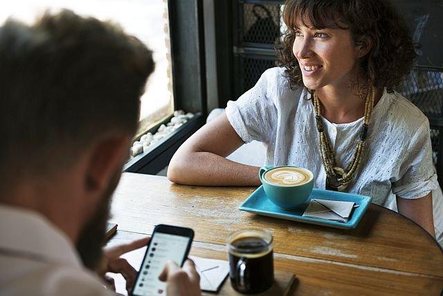 Kobiety cierpiące na cukrzycę wypijające 1 filiżankę kawy dziennie są o 51 proc. mniej narażone na przedwczesny zgon, niż ich koleżanki nie spożywające tego napoju.