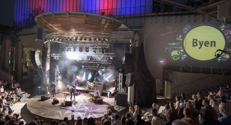 Halfway Festival skupia się głównie na dwóch nurtach - songwriterskim i folkowym