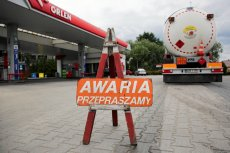Przed wyborami koncerny Orlen i Lotos miały zaniżać ceny paliw na stacjach, teraz ulegają one urealnieniu.