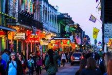 Yaka mein nie jest potrawą znaną poza Nowym Orleanem, może z uwagi na utrudniony dostęp do mięsa z aligatora.