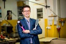 Wojciech Gąska postanowił swój zakład stolarski ukierunkować na produkcję akcesoriów... kosmetycznych