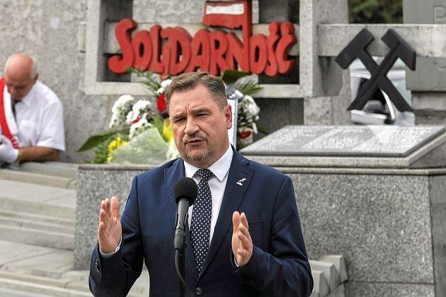"""Piotr Duda, szef NSZZ """"Solidarność"""" uważa, że zróżnicowanie wieku emerytalnego to nie dyskryminacja, tylko przywilej"""