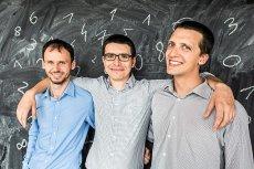 Piotr Malek, Mateusz Mucha i Daniel Trojanowski z Omni Calculator.