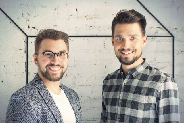 Adrian Morawiak i Maciej Butkowski porzucili plany robienia kariery w Warszawie na rzecz...robienia skarpetek w Aleksandrowie Łódzkim