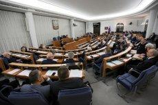 Jeszcze za urzędowania Stanisława Karczewskiego na stanowisku marszałka kancelaria Senatu wydała m.in. 50 tys. zł na posiłki w samolotach.