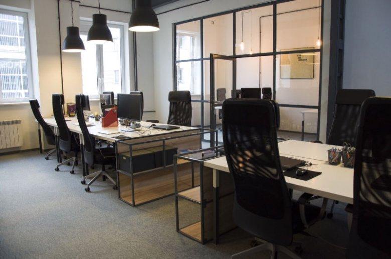 Obecne biuro Absolvent.pl urządzono w lofcie.