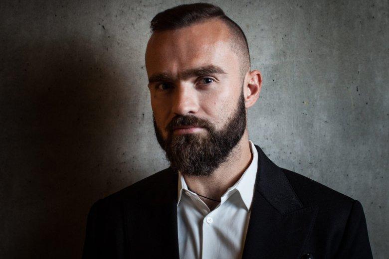 """""""To jedno z najciekawszych doświadczeń w moim życiu zawodowym"""" – mówi o SU Sebastian Kulczyk, jeden z polskich absolwentów."""