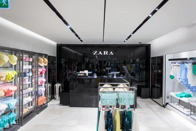 Zara otworzyła pierwszy sklep w 1975 roku w Hiszpanii
