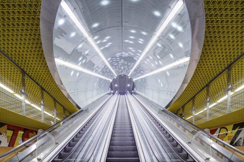 Oświetlenie LUG Light Factory - II linia metra w Warszawie