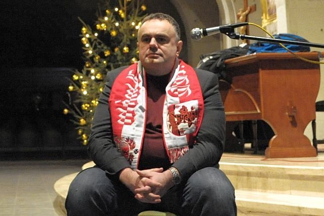 """Tomasza Sakiewicza, dziennikarski piewca """"dobrej zmiany"""", naczelny Gazety Polskiej, która zamierza dodawać do wydania homofobiczne naklejki."""