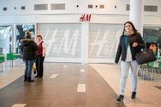 H&M musi szybko zorganizować wielkie wyprzedaże - w magazynach firmy zalega odzież o wartości 4 mld dolarów.