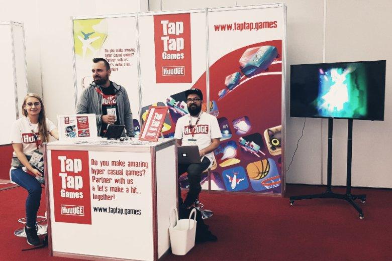 Huuuge Games wspiera polskich twórców gier z gatunku casual i hyper-casual. Studio prowadzi Tap Tap Games, program wydawniczy dla deweloperów zewnętrznych, oferujący szybki dostęp do masowego odbiorcy na światowym rynku gier mobilnych