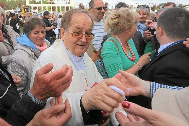 Toruński zakonnik ma 10 mln zł oszczędności, ale zarabia głównie dzięki darczyńcom