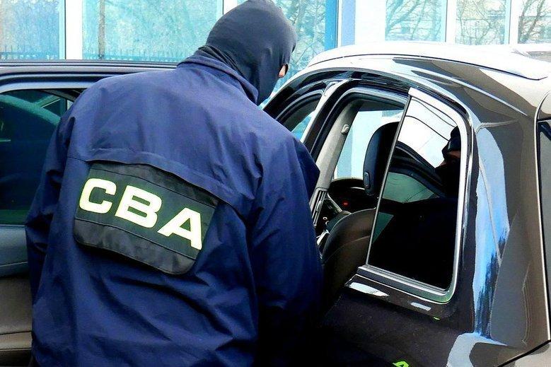 Funkcjonariusze CBA wkroczyli do Agencji Rozwoju Przemysłu. Będą sprawdzać, czy akcje Fabryki Łożysk Tocznych należące do Skarbu Państwa były sprzedawane zgodnie z prawem.