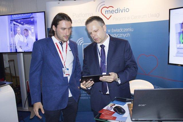 Reporter INN:Poland, Rafał Badowski, razem z Jarosławem Bułką.