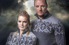 Swetry norweskich narciarzy z nordyckimi runami. Strzałka widoczna na piersi jest używana przez środowiska neonazistowskie.