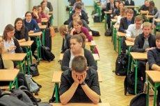 """Uczniowie: """"Wieczorem łatwiej się nam skupić"""". Uniwersytet Śląski zorganizuje nocne powtórki do matury."""