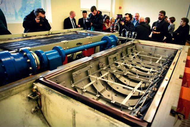 Piec do innowacyjnej metody produkcji grafenu HSMG na łódzkiej politechnice