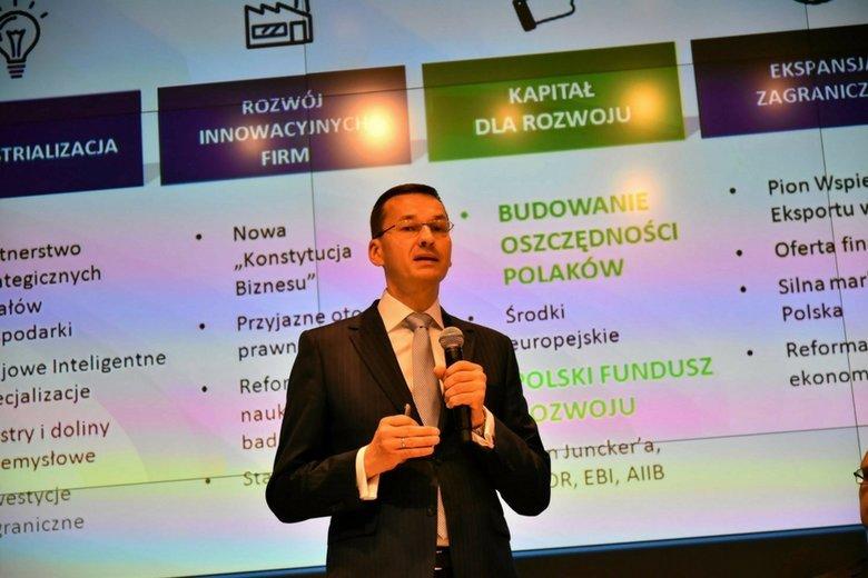 Mateusz Morawiecki prezentuje założenia reformy systemu emerytalnego.