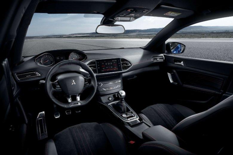 Peugeot i-Cockpit to innowacyjne rozwiązanie wnętrza obejmujące kompaktową kierownicę,zegary w polu widzenia drogi oraz pojemnościowy ekran dotykowy. Technologię tą zastosowano m.in. w modelu Peugeot 308, samochodzie osobowym klasy kompaktowej